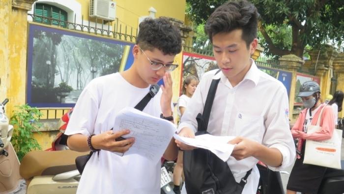 Nhiều địa phương miễn giảm học phí cho học sinh bị ảnh hưởng bởi dịch Covid-19