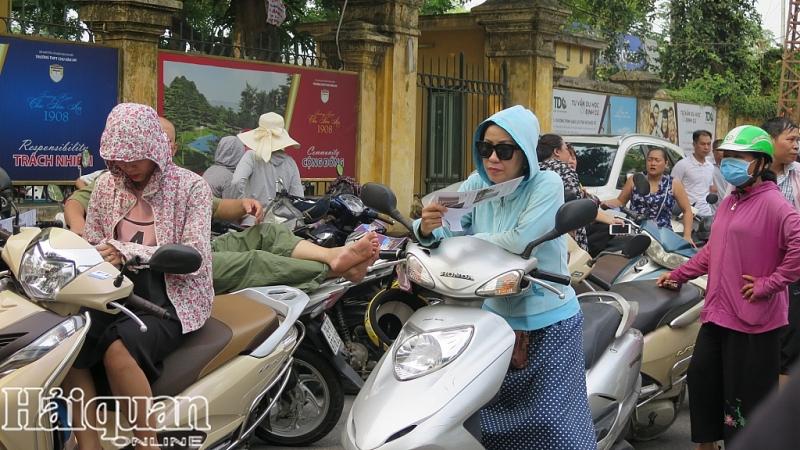nang mua that thuong phu huynh van co thu cong truong doi con thi