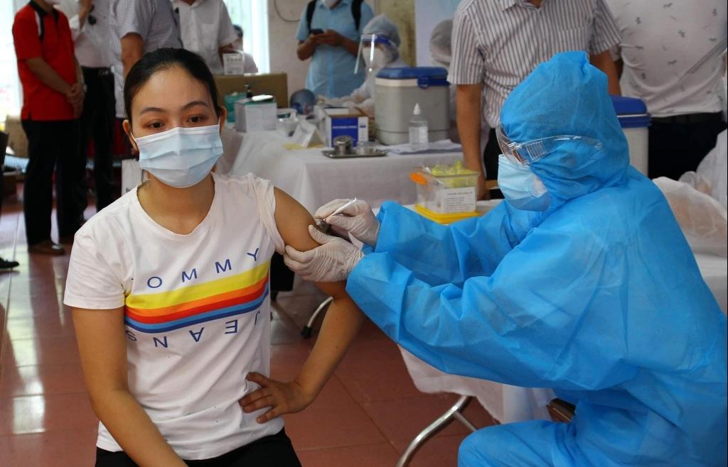 Thêm hàng nghìn cá nhân, tổ chức ủng hộ Quỹ vắc xin phòng chống Covid-19