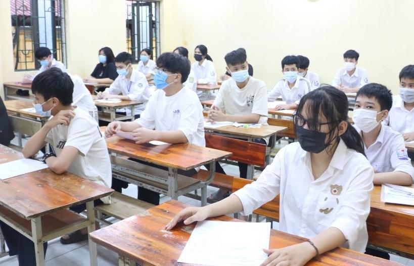 Hà Nội: Buổi thi lớp 10 đầu tiên vẫn còn thí sinh nhầm điểm thi