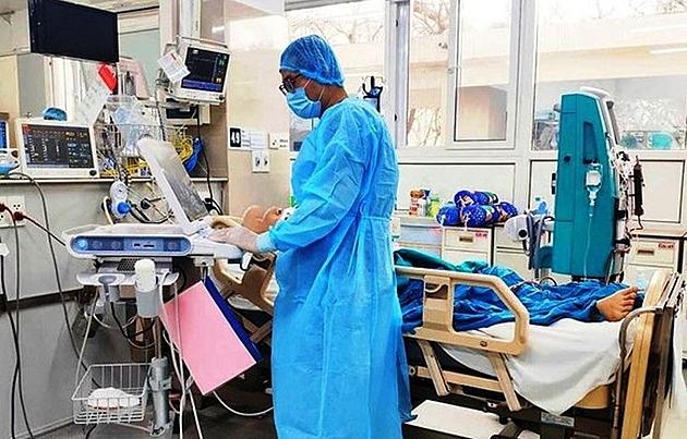 Bệnh nhân có tiền sử đái tháo đường type 2, tăng huyết áp, rối loạn lipid máu.