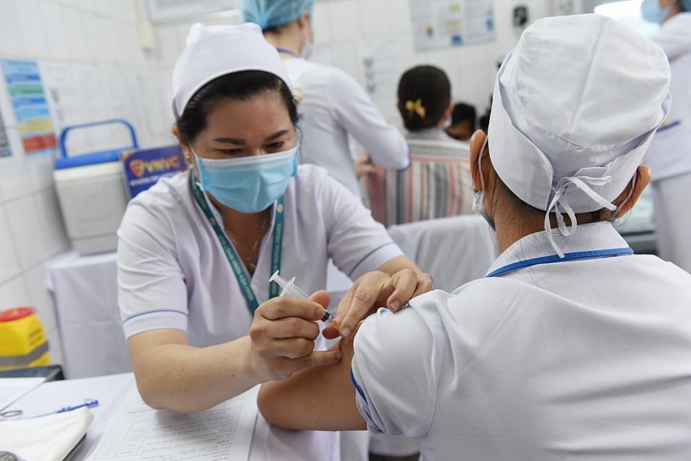 Đến nay, Việt Nam đã phê duyệt có điều kiện cho 4 loại vắc xin Covid-19. Ảnh internet.
