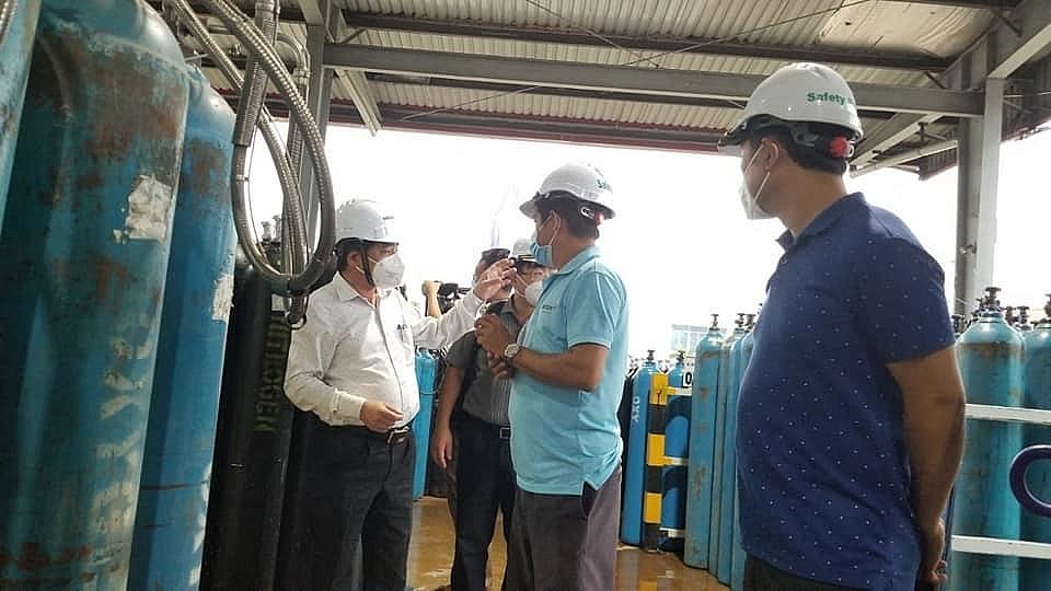 Năng lực sản xuất oxy trên cả nước rất lớn, các nhà máy có thể tăng thêm 100% công suất