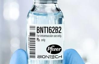 Ưu tiên sử dụng vắc xin Pfizer để tiêm mũi 2 cho những người đã tiêm mũi 1 AstraZeneca