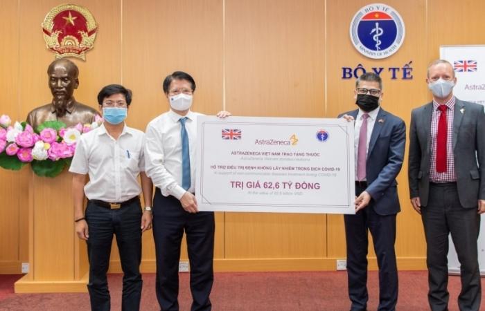 Bộ Y tế tiếp nhận 150.000 hộp thuốc của Công ty AstraZeneca