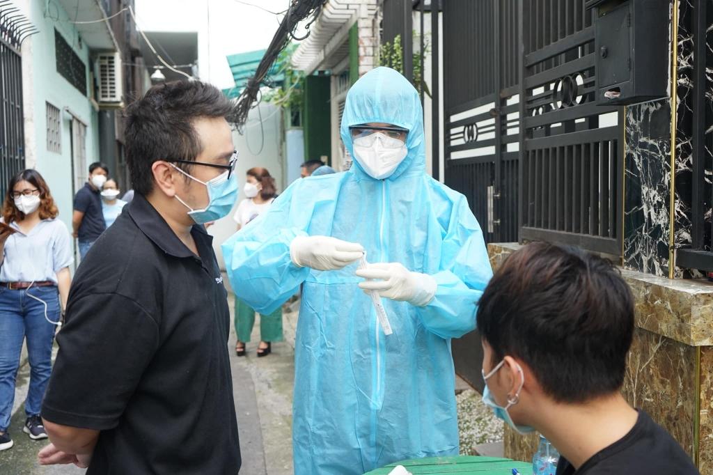 kiểm tra, giám sát việc thực hiện các quy định của pháp luật về giá dịch vụ chẩn đoán nhanh và xét nghiệm sinh học phân tử RT-PCR xác định Covid-19