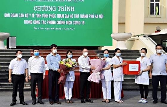Hơn 3.300 cán bộ, y bác sỹ của 11 tỉnh phía Bắc đang hỗ trợ Hà Nội chống dịch