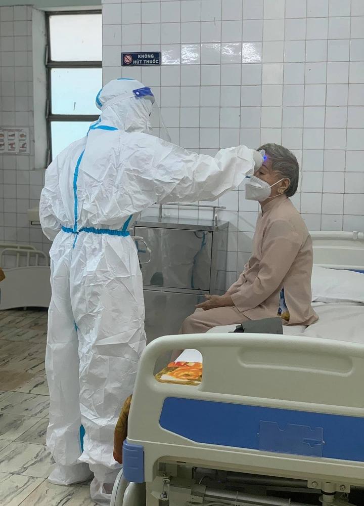 10 dấu hiệu cảnh báo bệnh nhân Covid-19 cần được đưa đến bệnh viện sớm