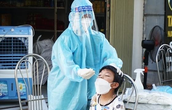 Sau 3 ngày, Hà Nội đã lấy được hơn 1,2 triệu mẫu bệnh phẩm xét nghiệm