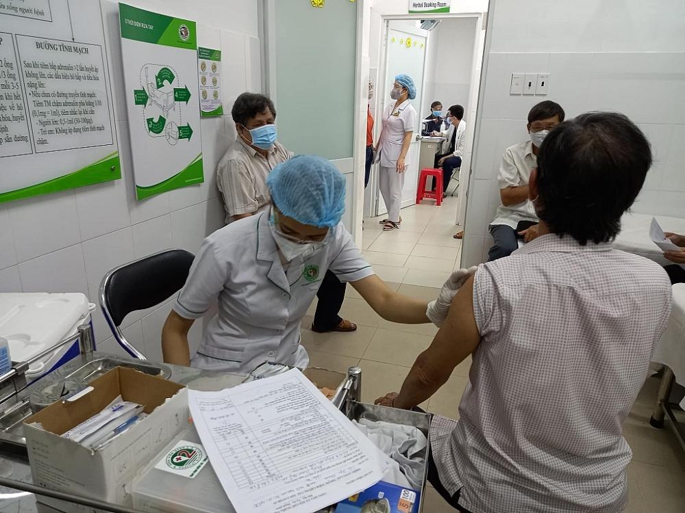 Bộ Y tế trả lời về đề xuất rút ngắn khoảng cách tiêm mũi 2 vắc xin AstraZeneca