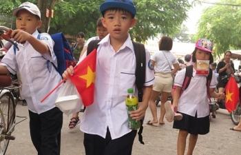 Không khí ô nhiễm, trường học Hà Nội tạm dừng các hoạt động ngoài trời