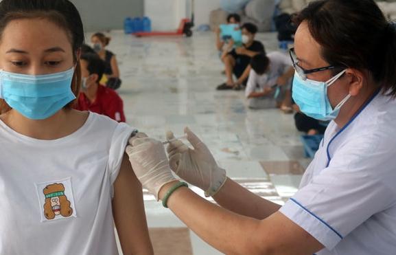 Từ tháng 11/2021 thực hiện tiêm vắc xin Pfizer cho trẻ em