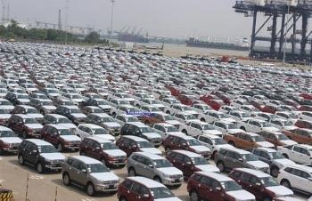 Hơn 1.500 xe ô tô cập cảng Sài Gòn trong tuần đầu năm Kỷ Hợi