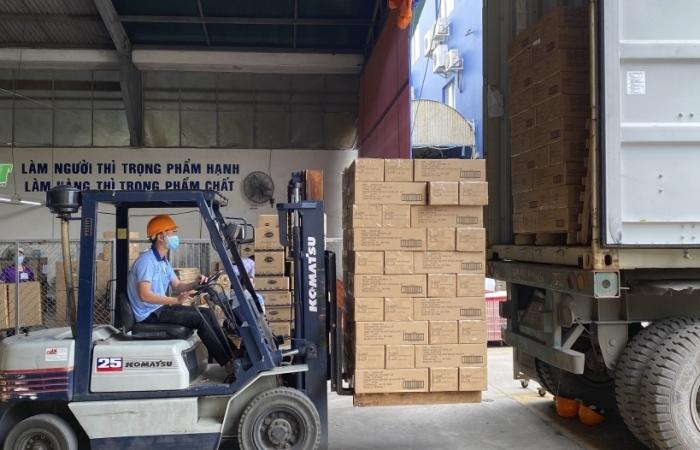 Đơn hàng xuất khẩu gần một triệu USD trong ngày đầu năm Tân Sửu