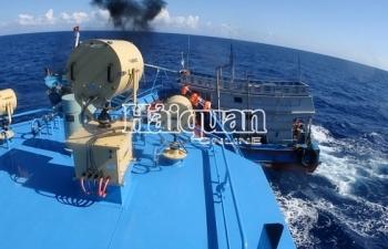 Cận cảnh tàu Hải quan truy đuổi, bắt giữ tàu chở dầu lậu