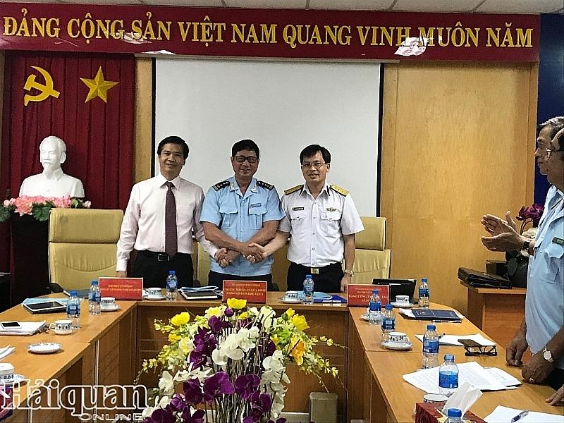 Hải quan và doanh nghiệp cảng hợp tác thông quan nhanh hàng hóa XNK
