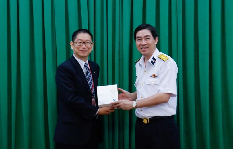 Hãng tàu OOCL đánh giá cao chất lượng các cảng thuộc Tổng công ty Tân cảng Sài Gòn