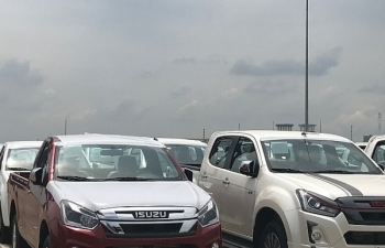 Gần 4.000 xe bán tải được nhập khẩu về TPHCM