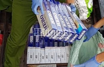 Công an điều tra tìm chủ lô hàng 15.000 gói thuốc lá nhập lậu