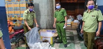 An Giang: Bắt giữ xe tải chở hơn 1.400 bao thuốc lá lậu