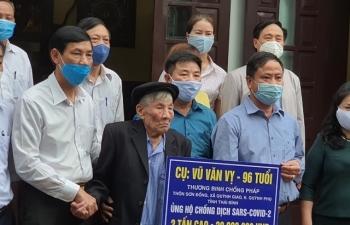 Một thương binh 96 tuổi ủng hộ 2 tấn gạo phòng chống dịch Covid-19
