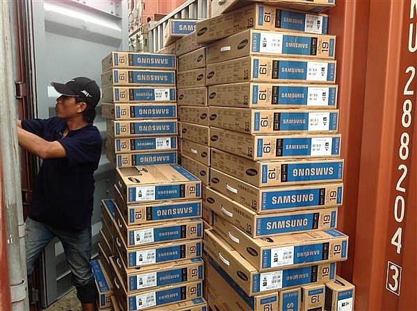 Giám định, xử lý lô hàng máy vi tính xách tay bị tịch thu