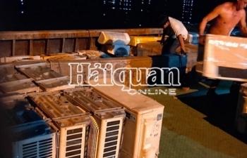 Hải quan bắt giữ trên 30 tấn hàng cấm trong đêm