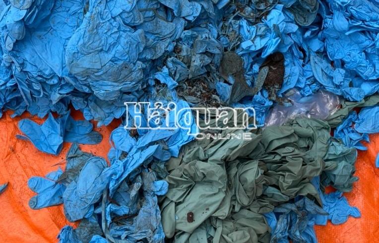 Khởi tố Công ty TNHH VHC Global nhập khẩu gần 1,5 tấn găng tay đã qua sử dụng