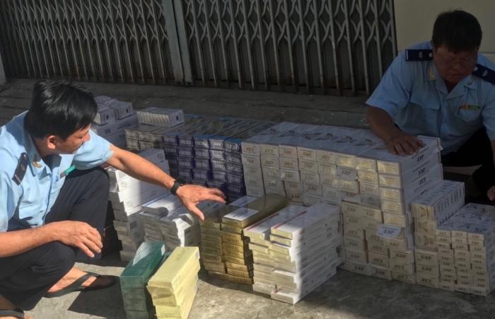Hải quan Đồng Tháp liên tiếp bắt giữ thuốc lá và đường lậu