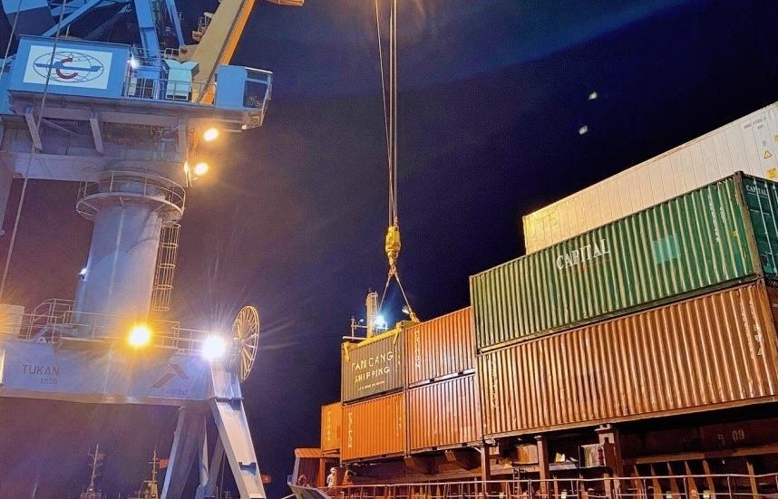 Dịch vụ vận tải biển Tân cảng định tuyến thường xuyên kết nối hàng hóa XNK của Hà Tĩnh