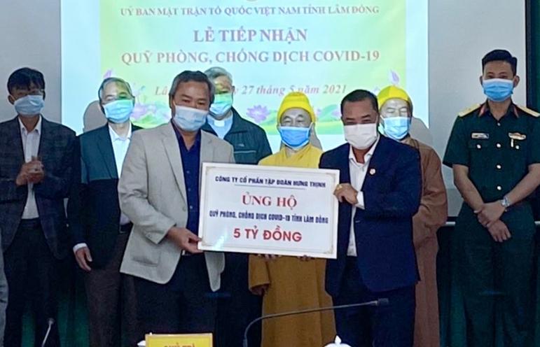 Tập đoàn Hưng Thịnh trao tặng 50.000 liều vắc xin phòng chống Covid-19 cho Bình Định