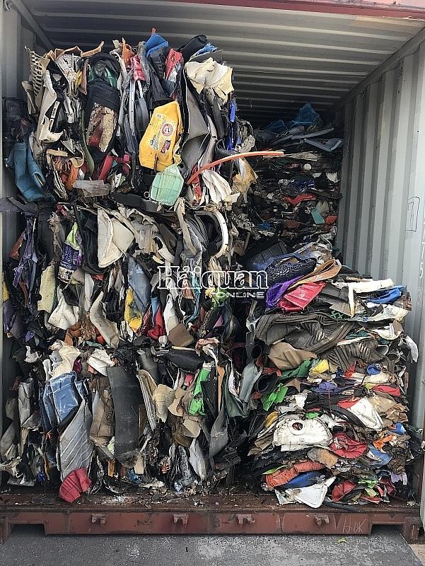 vi sao 31 hang tau bi buoc tai xuat gan 1100 container rac