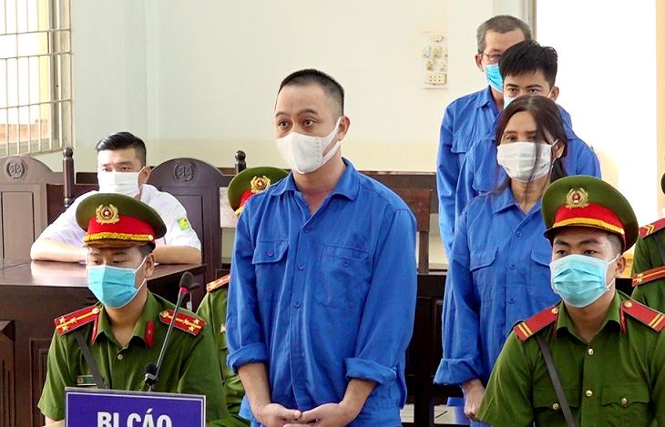 Tổ chức cho người khác xuất cảnh trái phép, 4 bị cáo lĩnh 28 năm tù
