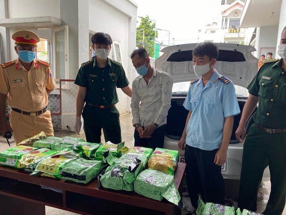 Hải quan, Biên phòng phối hợp bắt 20 kg nghi ma túy