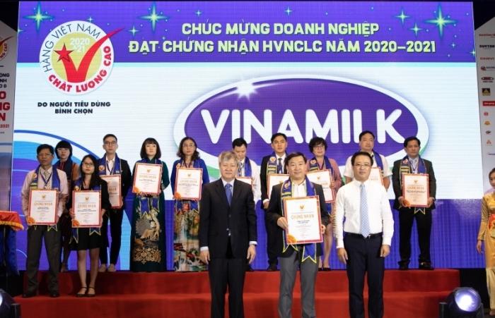 Vinamilk tiếp tục được đánh giá thuộc TOP công ty kinh doanh hiệu quả nhất