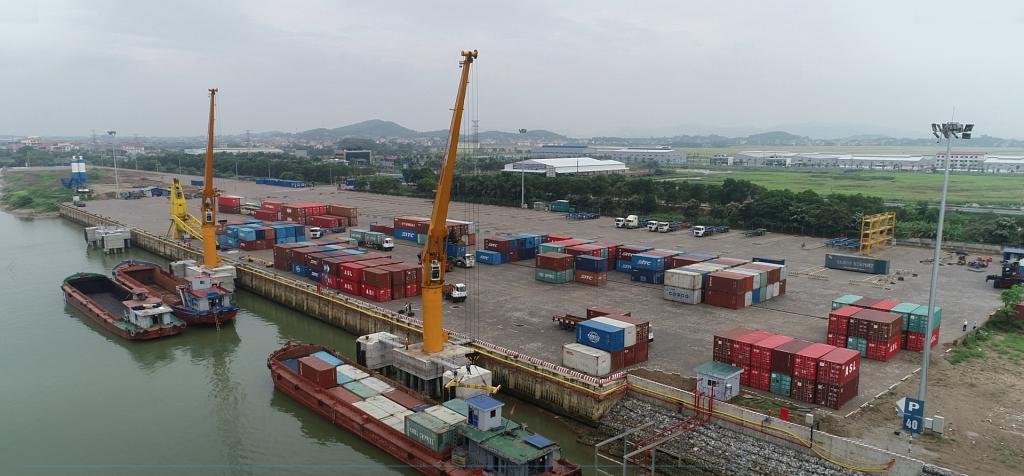 Vận tải thủy nội địa - duy trì chuỗi cung ứng trong tâm dịch, giảm chi phí logistics