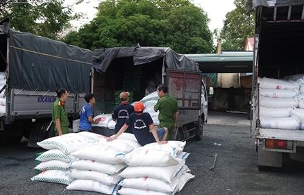An Giang: Bắt 39 tấn đường nghi nhập lậu