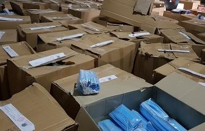 Giám đốc một doanh nghiệp chứa trữ gần 900.000 khẩu trang y tế không rõ nguồn gốc