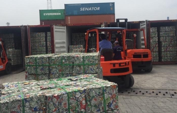 6 container phế liệu nhôm xuất lậu nguỵ trang thức ăn gia súc