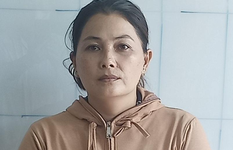 """Tái phạm, một phụ nữ bị khởi tố tội """"buôn bán hàng cấm"""""""
