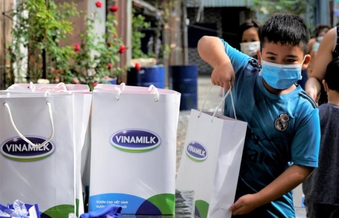 Người tiêu dùng yên tâm mua sữa với chương trình trợ giá từ Vinamilk