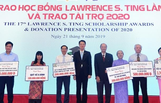 Trao gần 8,5 tỷ đồng học bổng Lawrence S. Tingcho học sinh nghèo