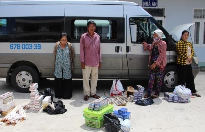 Khởi tố, bắt tạm giam 2 phụ nữ vận chuyển thuốc lá lậu