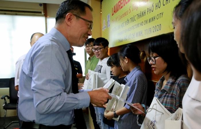 Quỹ Lawrence S. Ting và Công ty  Phú Mỹ Hưng trao học bổng 8,5 tỷ đồng