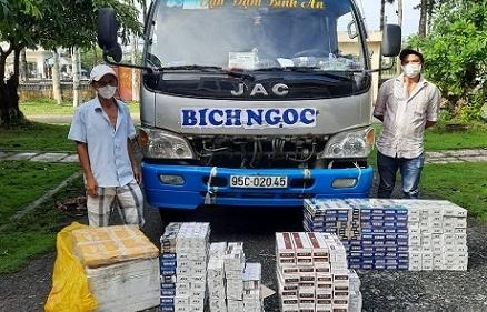 Phát hiện hàng nghìn bao thuốc lá lậu trên xe chở thủy sản