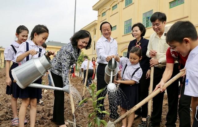 Vinamilk chung tay tay bảo vệ môi trường Thủ đô