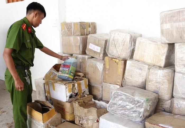Bắt nhiều vụ chứa trữ thuốc bảo vệ thực vật có dấu hiệu nhập lậu