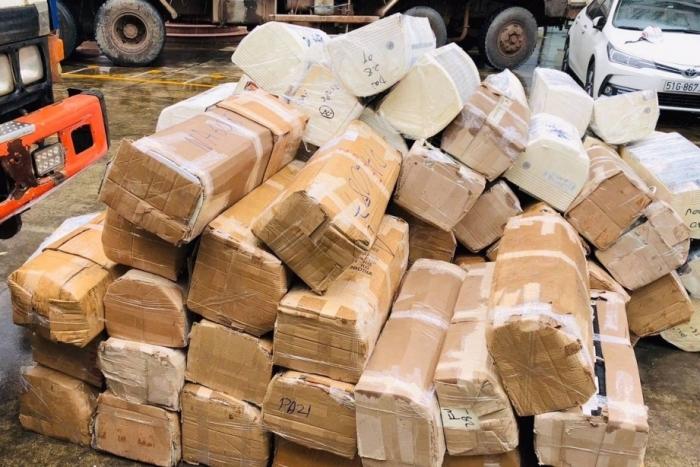 Bắt vụ vận chuyển trên 1.000 sản phẩm điện tử nhập lậu