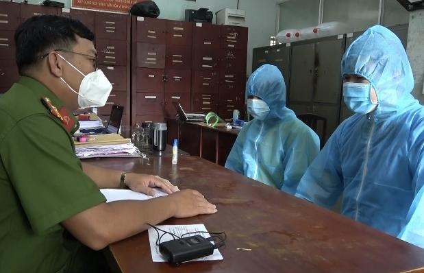 Tuồn thuốc điều trị Covid-19 ra ngoài bán, hai nhân viên y tế bị bắt giam
