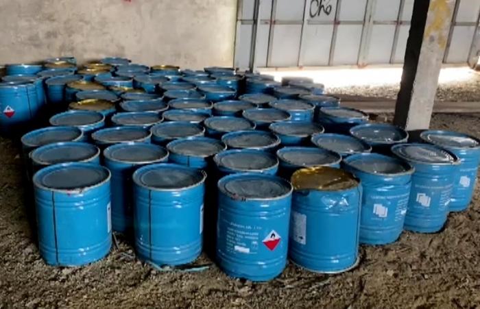 Tạm giữ hơn 1.000 thùng hóa chất không có chứng từ